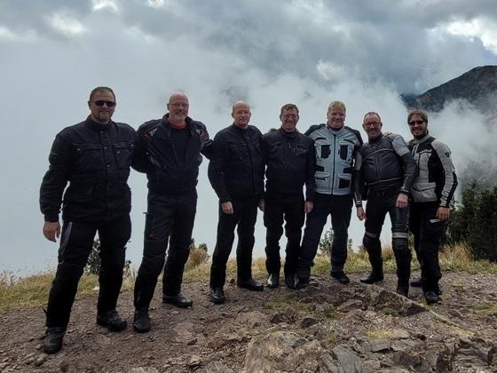1 Woche Dolomiten im September 2021 mit 7 guten Freunden und gemischter Motorisierung: Kawa, Honda, Suzuki, KKKKKTM...alles dabei.